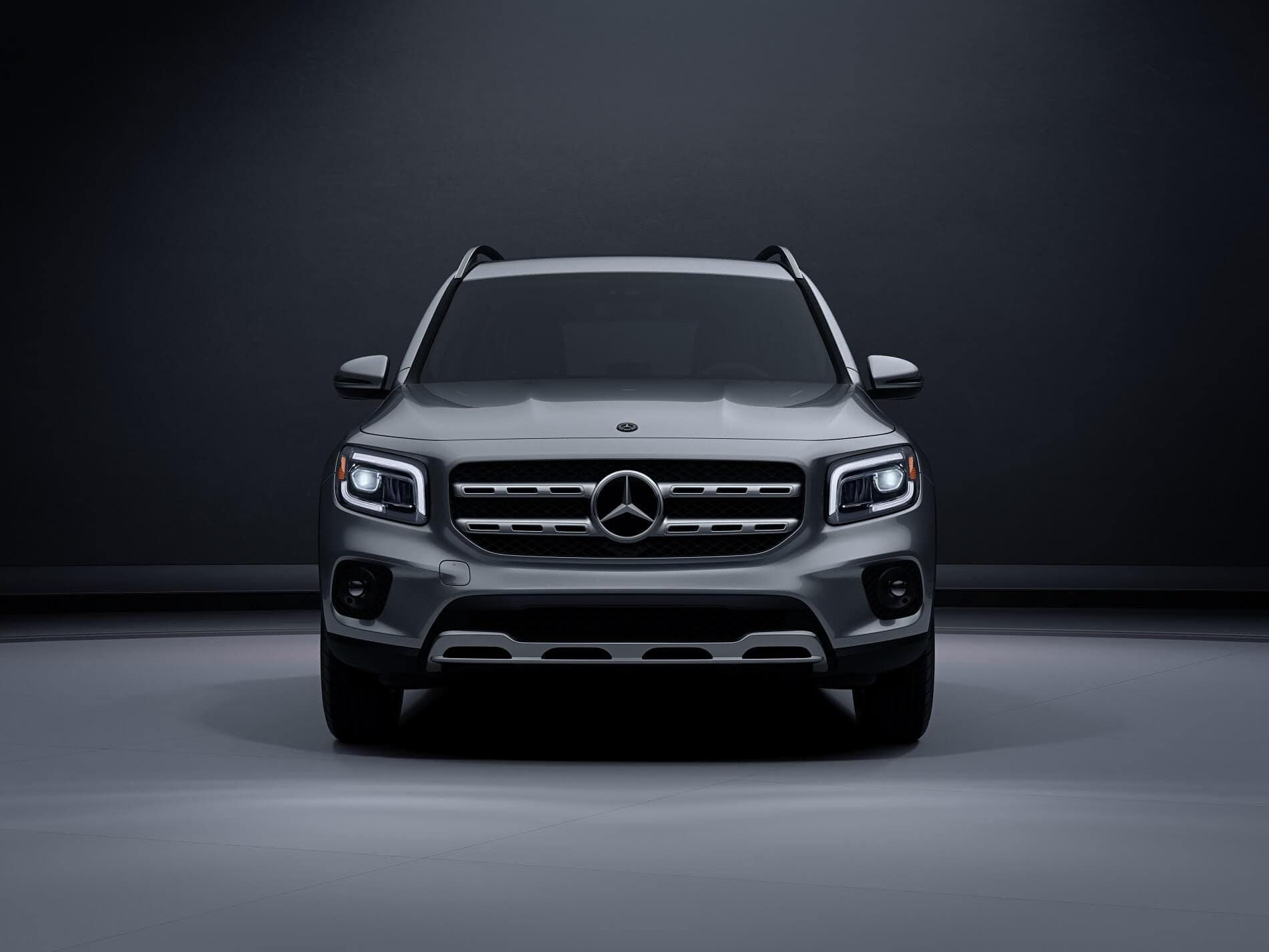 Mercedes-Benz GLB in Silver