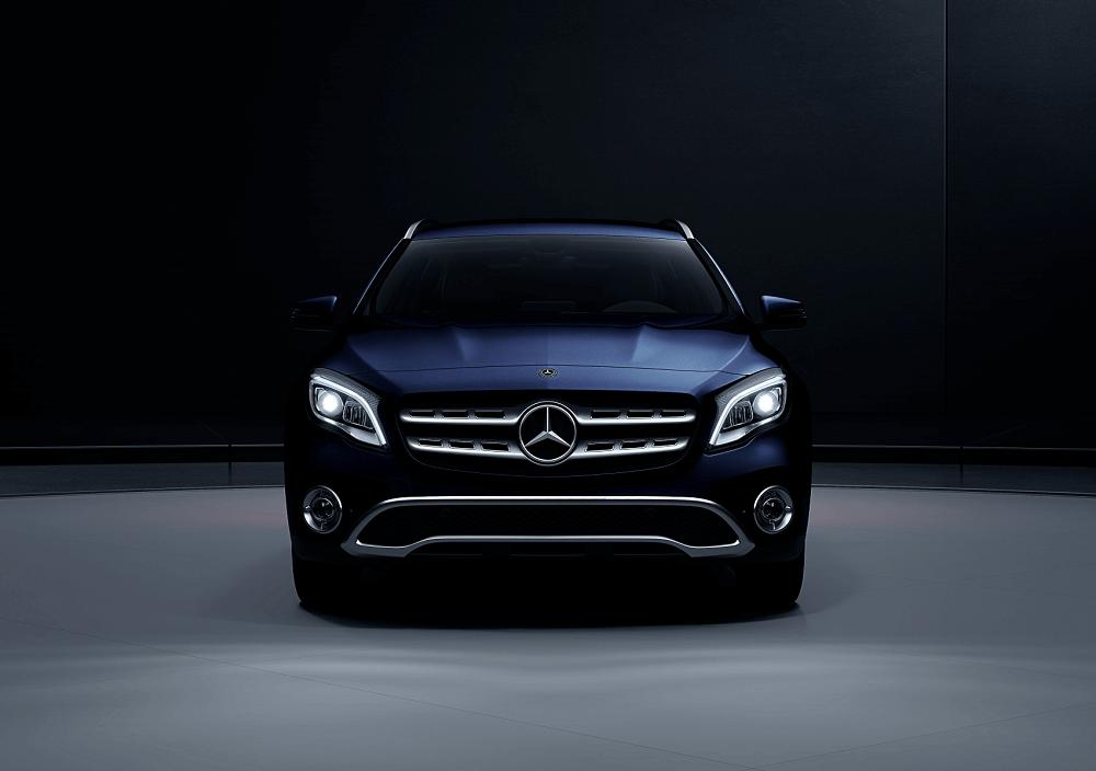 Mercedes-Benz GLA Blue