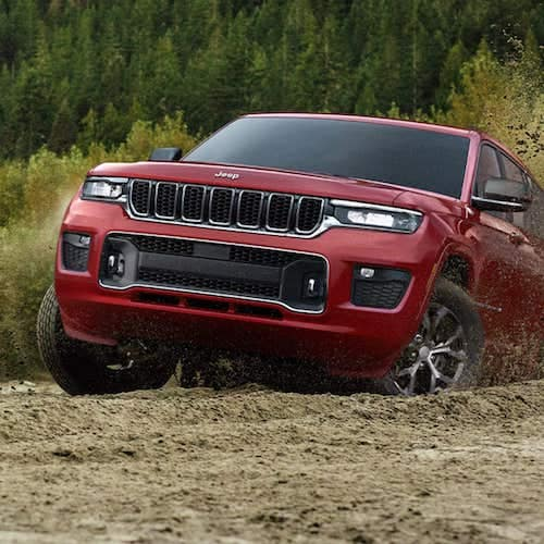 2021 Jeep Grand Cherokee L traction