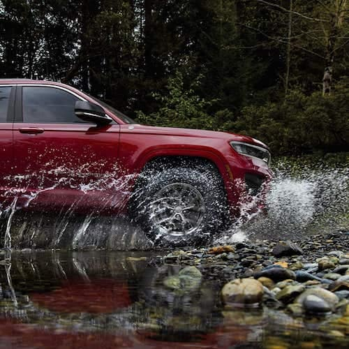 2021 Jeep Grand Cherokee L water fording