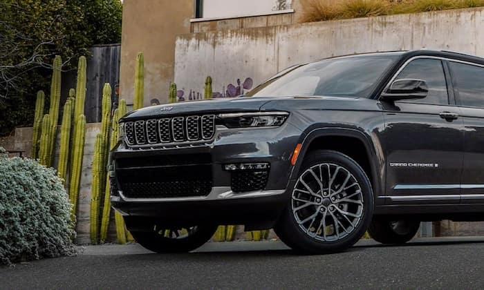 2021 Jeep Grand Cherokee L Summit exterior design