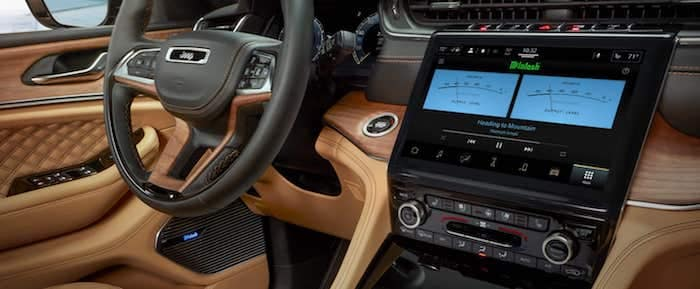 2021 Jeep Grand Cherokee L 10.1 inch touchscsreen