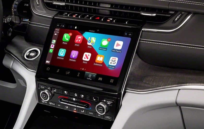 2021 Jeep Grand Cherokee L Apple Carplay connectivity