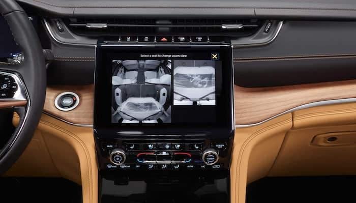 2021 Jeep Grand Cherokee L rear monitoring camera