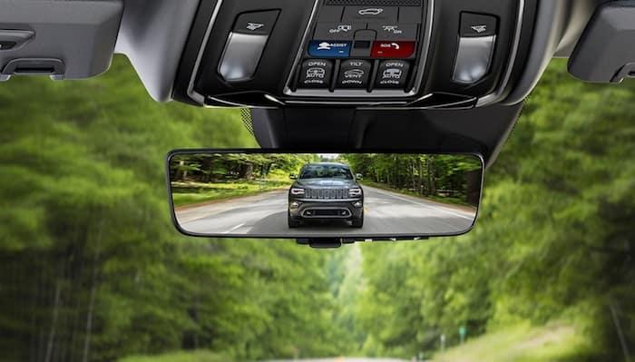 2021 Jeep Grand Cherokee L digital rearview monitor