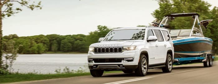 2022 Jeep Wagoneer max towing capacity up to 10,000 pounds