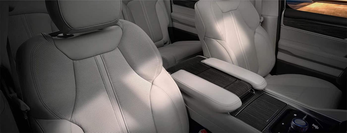 2022 Jeep Wagoneer heated and ventilated front seats