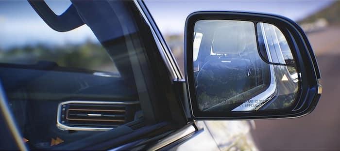 2022 Jeep Wagoneer blind spot monitoring