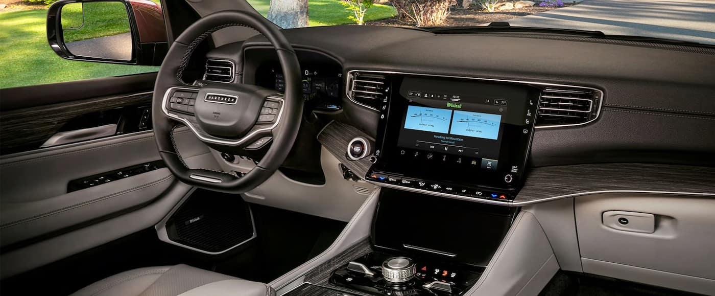 2022 Jeep Wagoneer technology