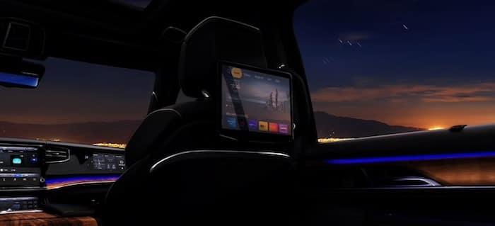 2022 Jeep Wagoneer rear seat entertainment