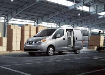 2-nissan-commercial-nv200