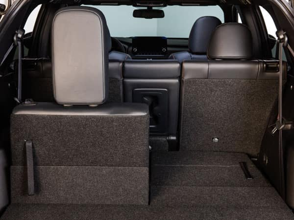 2022 Mitsubishi Outlander Third-Row Fold-Flat Seating and Cargo Space