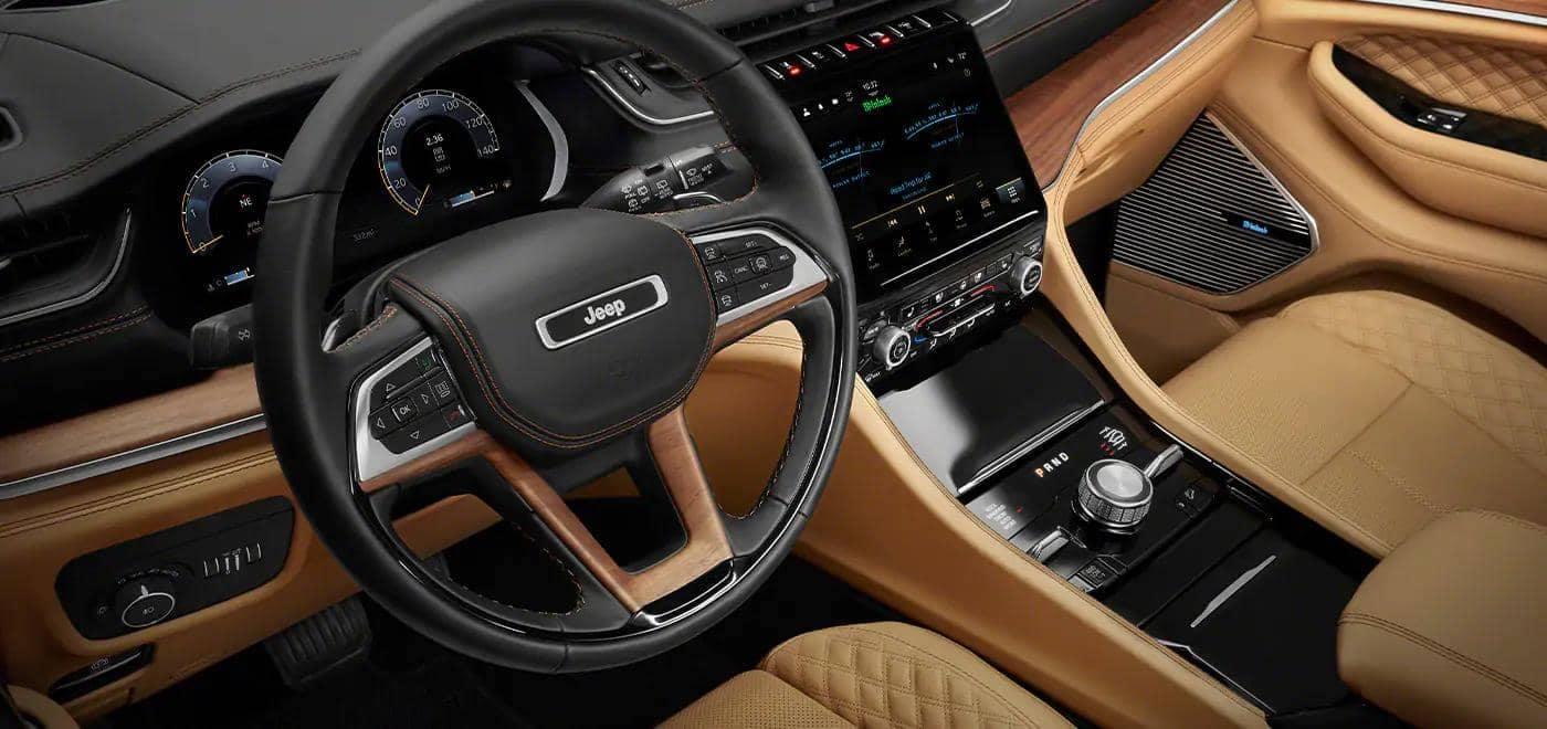 Jeep Grand Cherokee L steering wheel