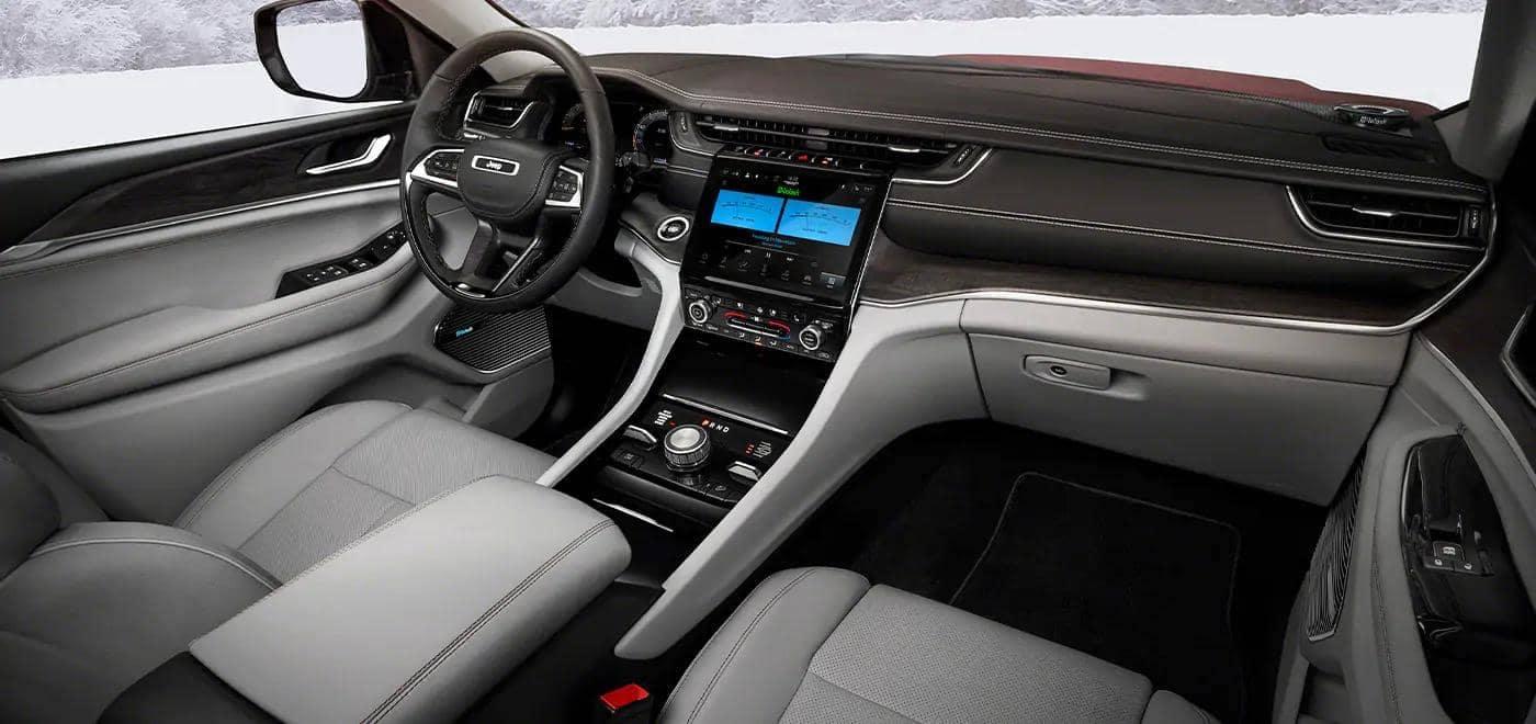 Grand Cherokee L interior dashboard