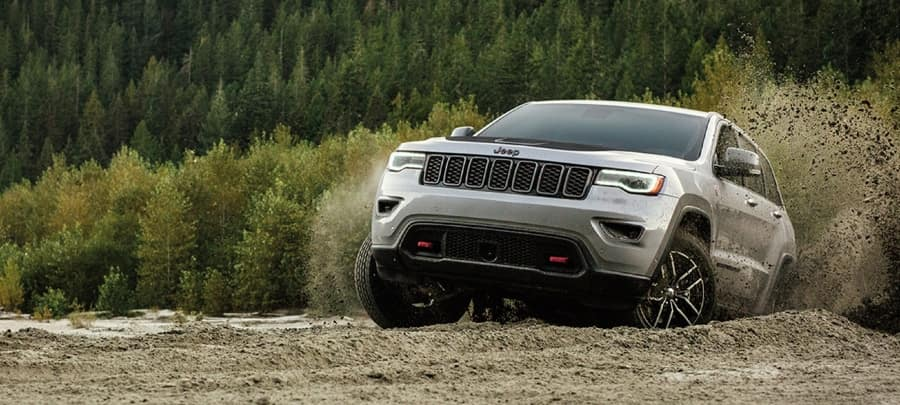 2020 Jeep Grand Cherokee off roading