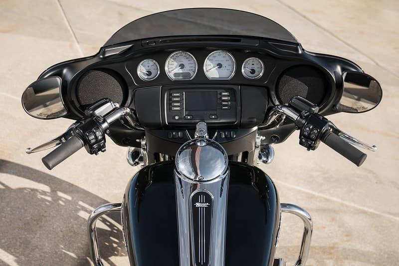 Miami FL - 2020 Harley-Davidson Street Glide's Style