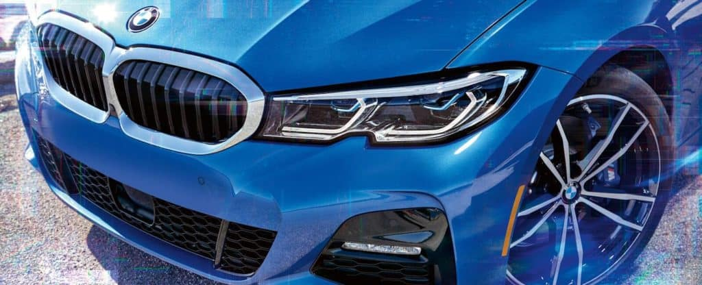 A close up picture of the front end of a 2020 BMW 3 Series